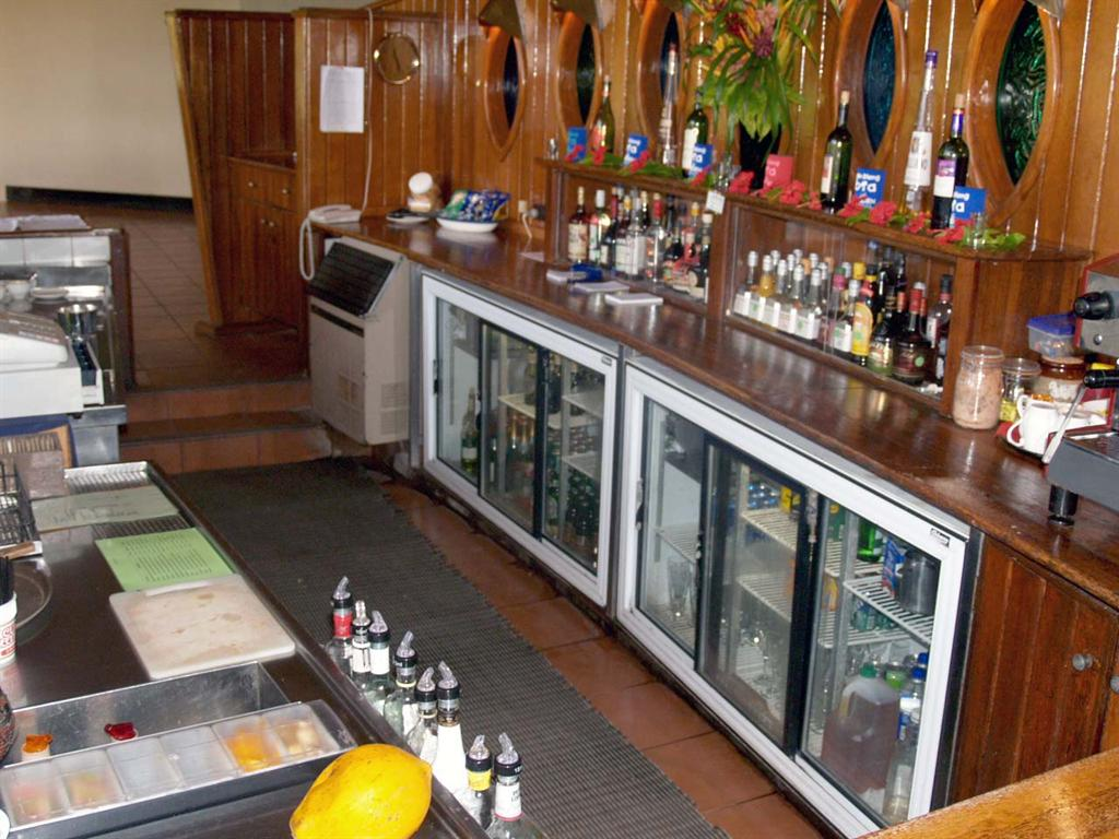 What Equipment Is Needed For A Bar Coffee Shop Or Restaurant